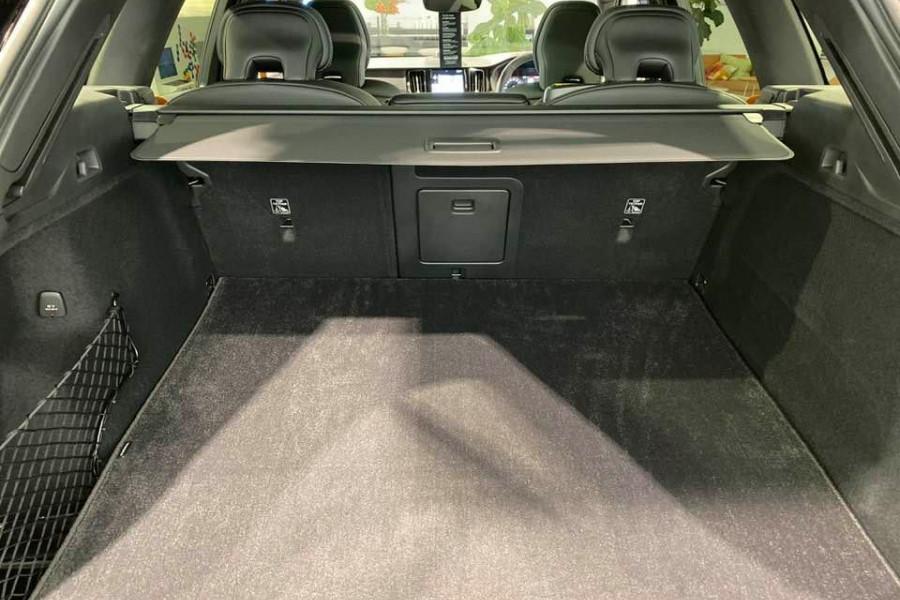 2020 Volvo XC60 T8 Polestar 2.0L T/P 235kW 8AT Suv Mobile Image 16