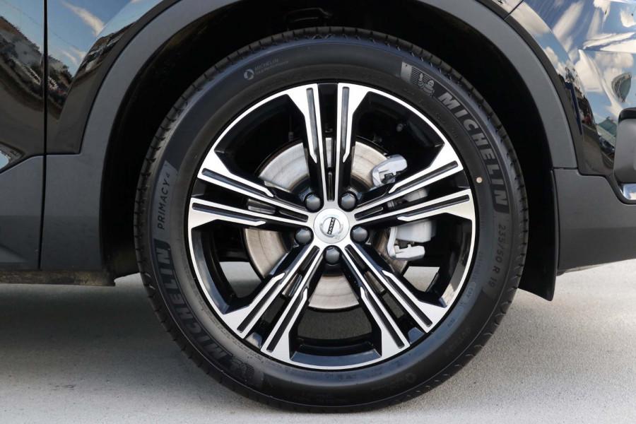 2021 Volvo XC40 XZ T4 Inscription Suv Image 19