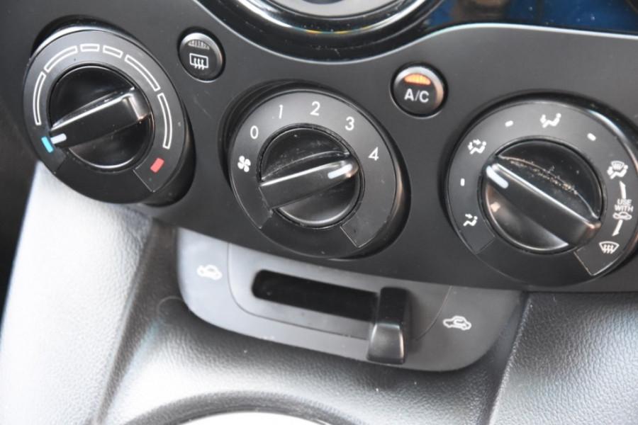 2012 Mazda 2 DE10Y2 MY12 Neo Hatchback Image 14