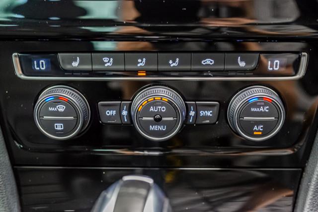 2016 Volkswagen Golf 7 R Hatchback Image 26