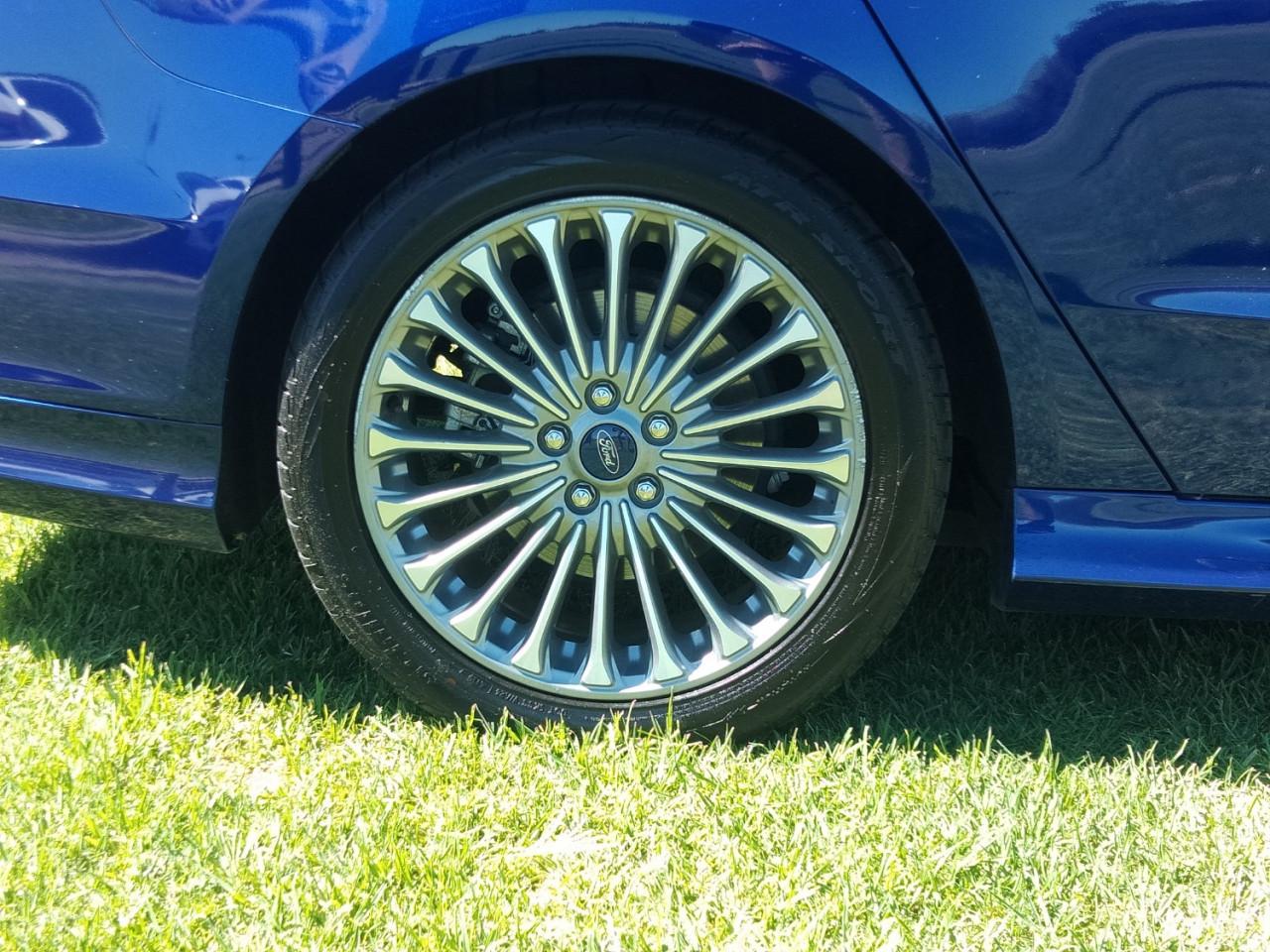 2016 Ford Mondeo MD TITANIUM Hatchback Image 9
