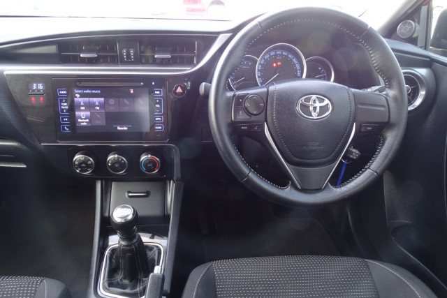 2016 Toyota Corolla Ascent Sport Hatch 9 of 21