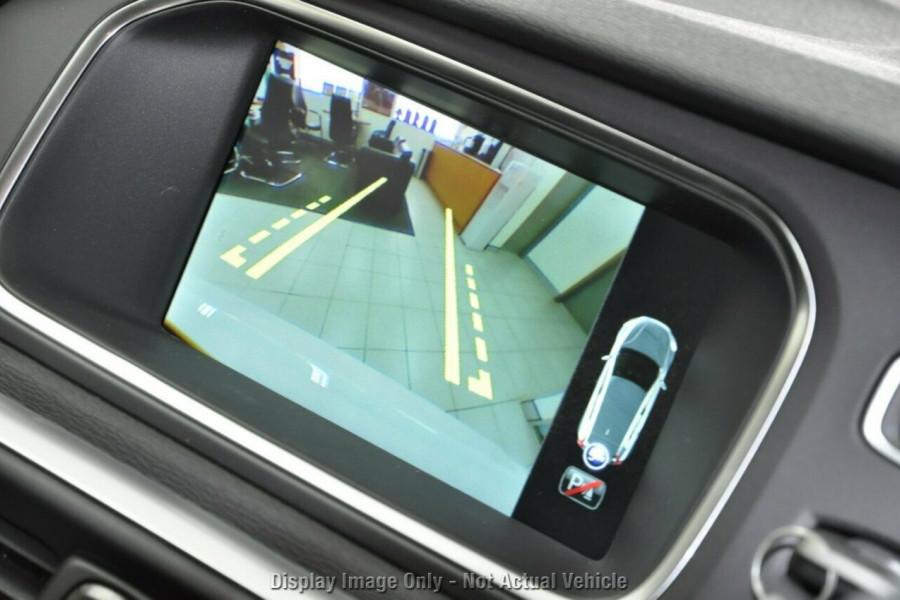2017 MY18 Volvo V40 M Series D4 Adap Geartronic Inscription Hatchback