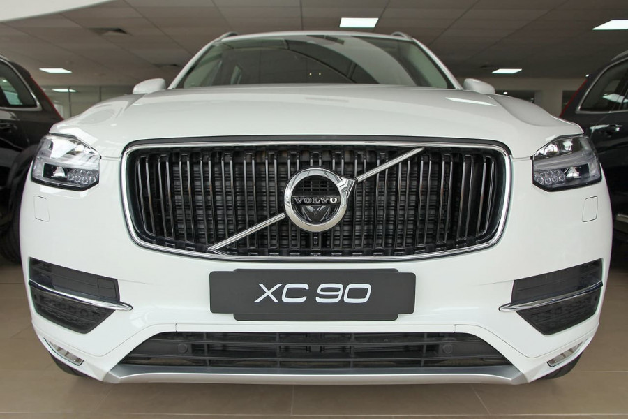 2018 MY19 Volvo XC90 L Series D5 Momentum Suv Mobile Image 4