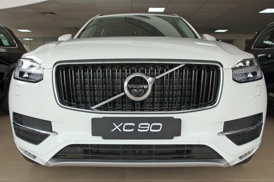 2018 MY19 Volvo XC90 L Series D5 Momentum Suv Mobile Image 4