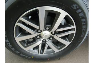 2015 Toyota Hilux GUN126R SR Double Cab Utility Image 4