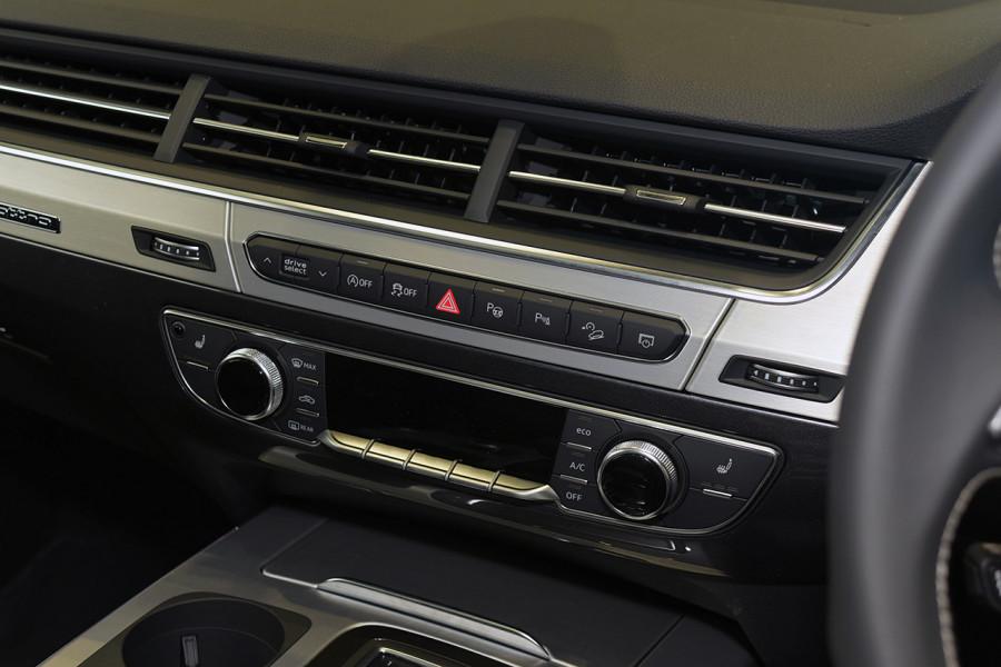 2019 Audi Q7 S 4.0L TDI V8 Quattro Tiptronic 320kW Suv Mobile Image 17