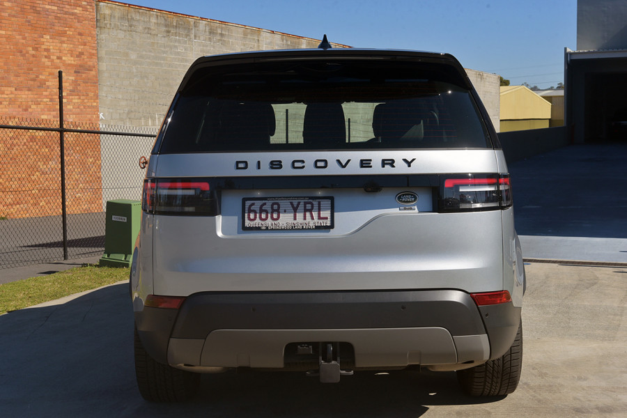 2018 MY19 Land Rover Discovery Series 5 SE Suv Mobile Image 5