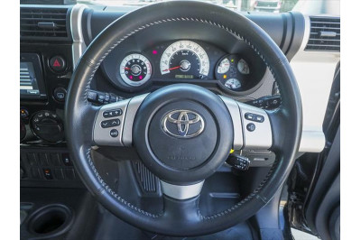 2013 Toyota Fj Cruiser GSJ15R Wagon Image 5