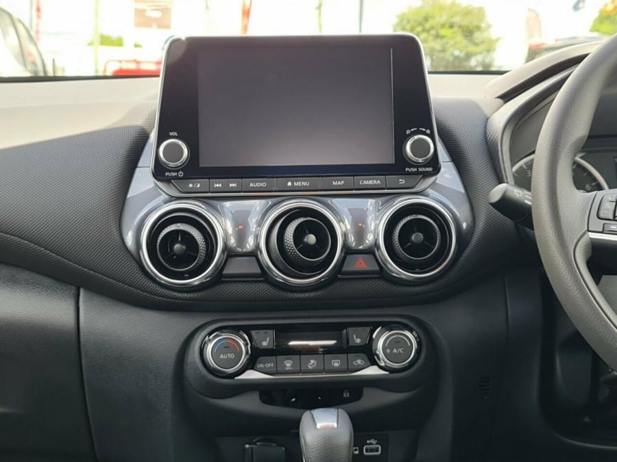 2020 Nissan JUKE F16 ST Plus Hatchback Image 14