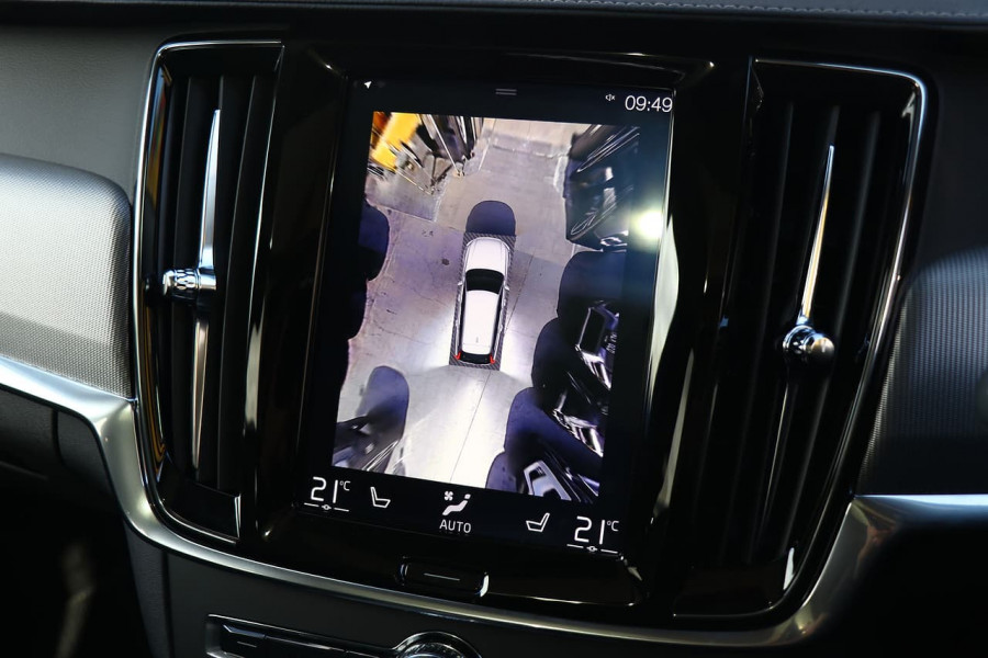 2019 Volvo V90 Cross Country D5 Wagon Mobile Image 11