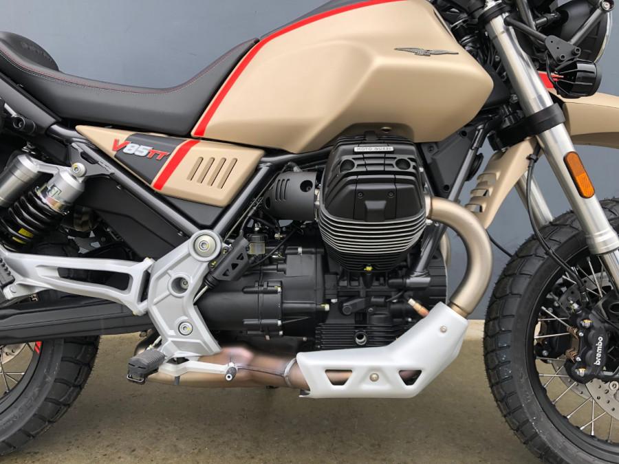 2020 Moto Guzzi V85TT Travel Motorcycle Image 15
