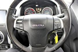 2017 Isuzu Ute D-MAX LS-U Utility - extended cab Mobile Image 22