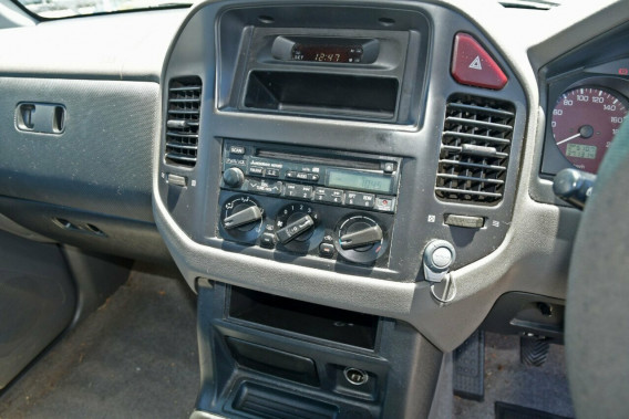 2002 Mitsubishi Pajero NP GLX Suv