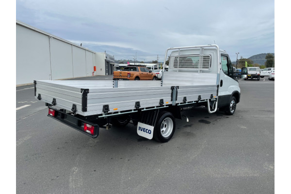 2021 Iveco Daily 50C18 Tray dropside Image 3