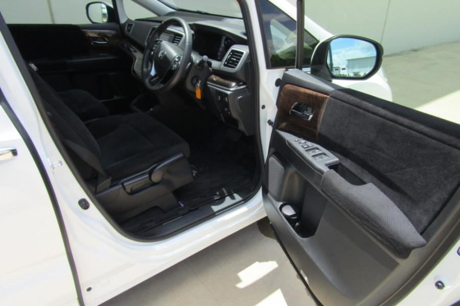 2016 Honda Odyssey 5th Gen VTi Wagon Image 13