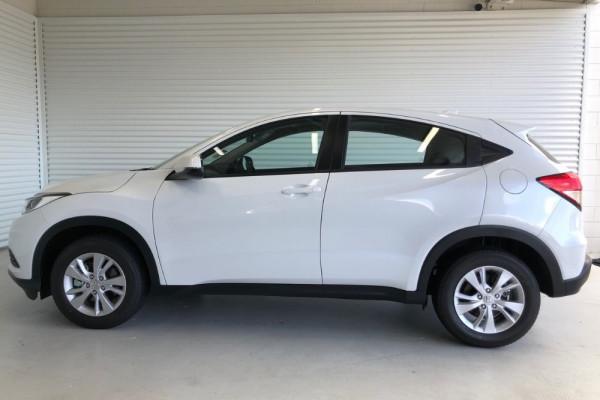 2020 Honda HR-V VTi Suv Image 2
