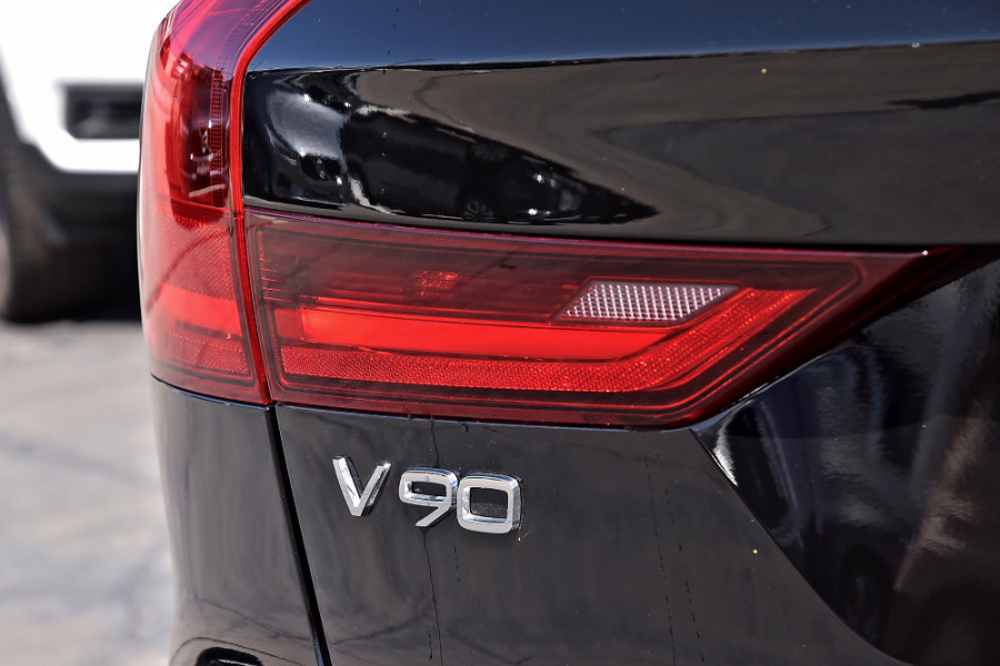 2019 MY20 Volvo V90 Cross Country D5 Wagon Mobile Image 28