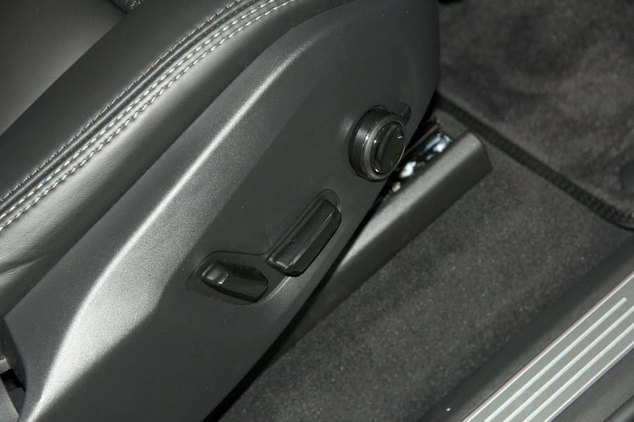2018 MY19 Volvo XC90 L Series T6 Inscription Suv Image 13