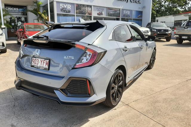 2017 Honda Civic Hatchback Image 5