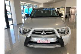 2014 MY15 Mitsubishi Triton MN MY15 GLX Utility Image 2