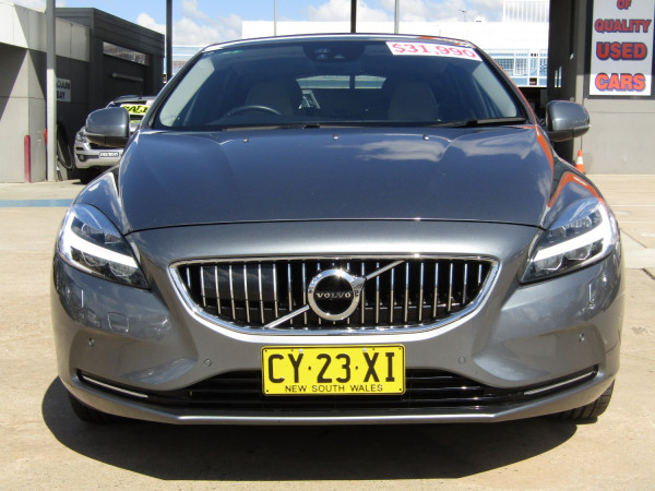 2017 Volvo V40 M Series  T4 In Hatchback