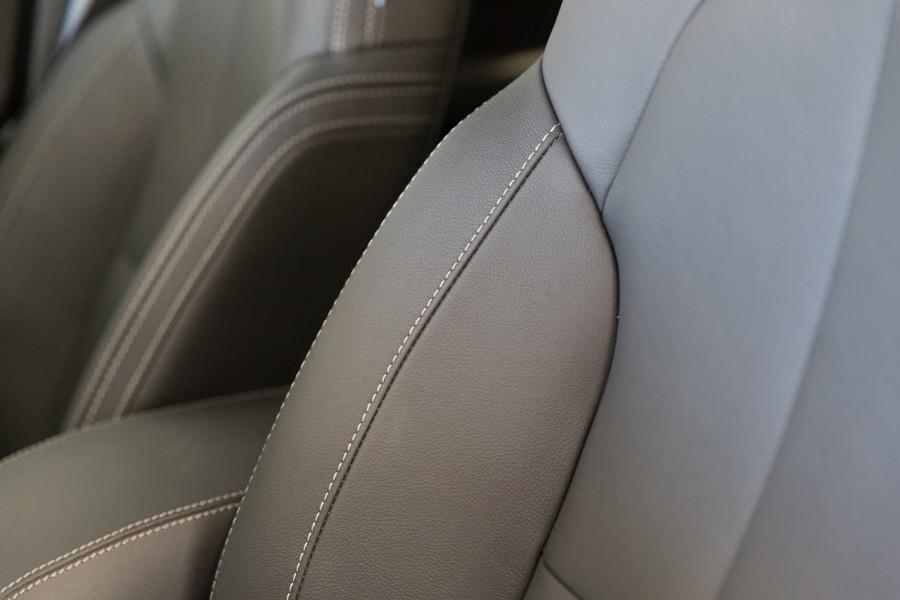 2020 MY21 Volvo XC40 XZ T4 Momentum Suv Image 17