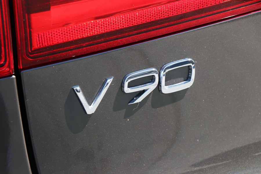 2019 Volvo V90 Cross Country D5 Wagon Mobile Image 22