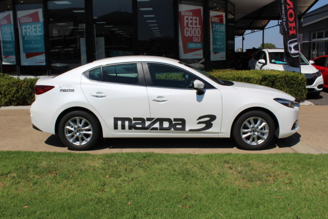 2018 Mazda 3 BN Series Touring Sedan Sedan Image 2