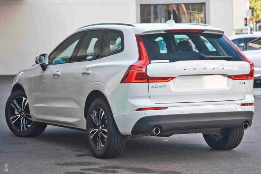 New 2020 Volvo XC60 T5 Momentum #V10187