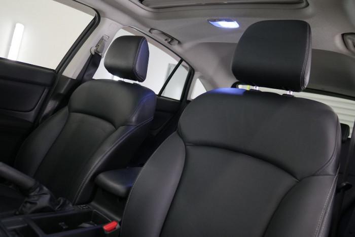 2014 Subaru XV G4-X 2.0i-S Suv Image 8