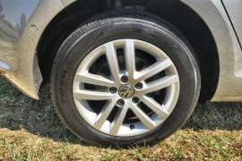 2013 Volkswagen Golf VII 90TSI Hatch Image 2