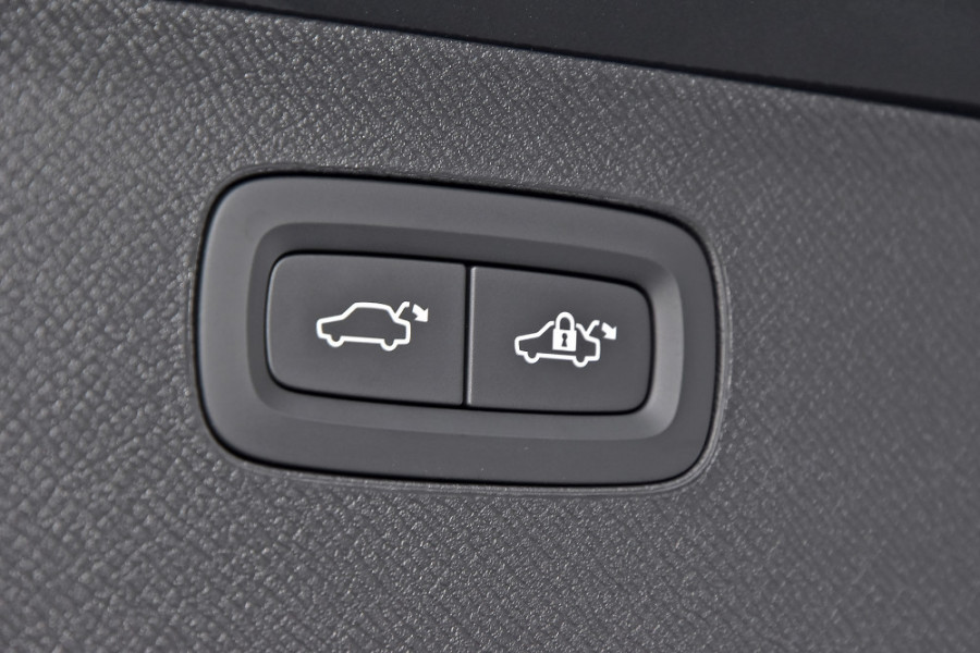 2019 Volvo XC90 L Series D5 Inscription Suv Mobile Image 18
