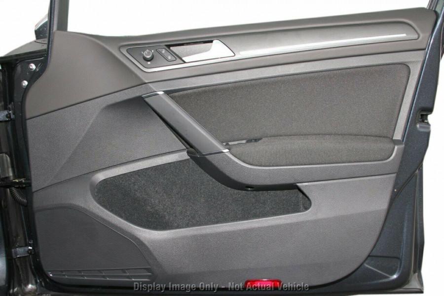 2020 Volkswagen Golf 7.5 GTI DSG Hatchback Image 18