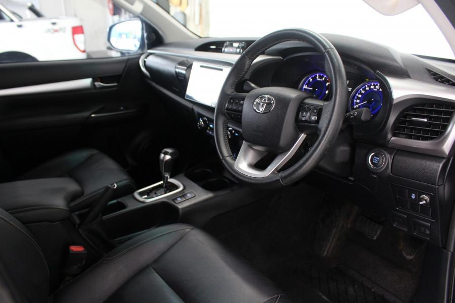 2016 Toyota HiLux GUN126R SR5 Utility Image 7