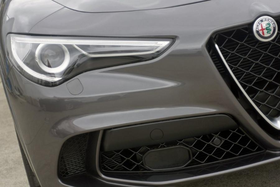 2018 MY19 Alfa Romeo Stelvio Quadrifoglio Quadrifoglio Wagon Mobile Image 3