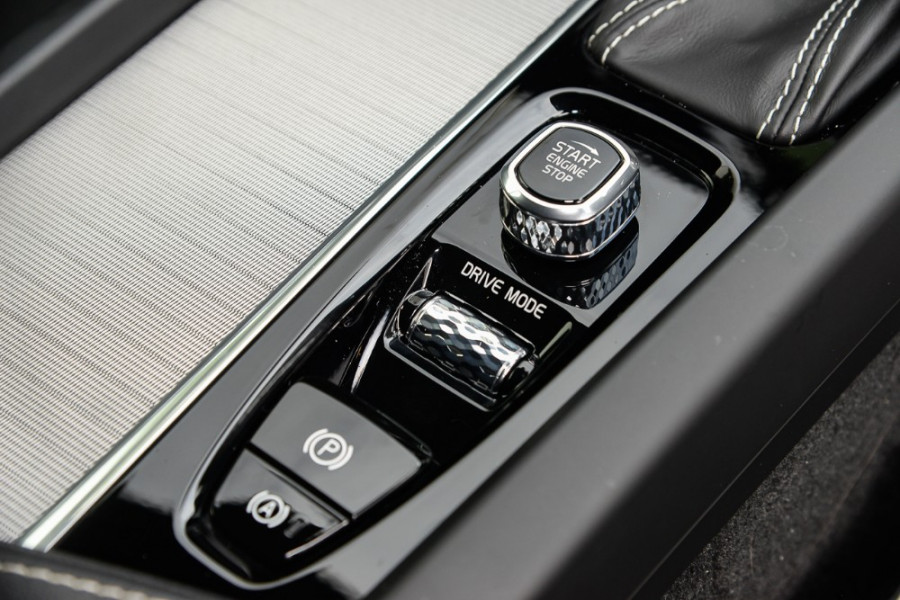 2018 MY19 Volvo XC60 UZ T6 R-Design Suv Mobile Image 13