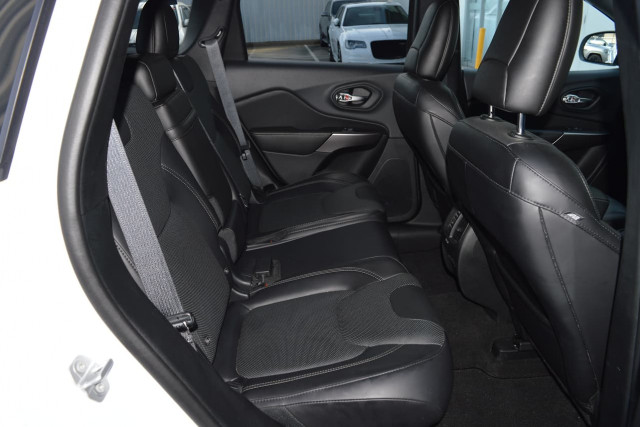 2019 Jeep Cherokee Limited 20 of 29