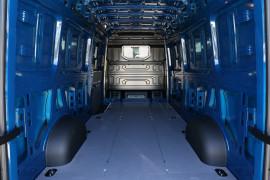 2020 Volkswagen Crafter 35 LWB TDI340 Auto FWD 3.55t GVM Van Image 5