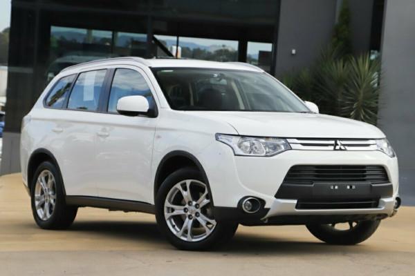 Mitsubishi Outlander ES 4WD ZJ MY14.5