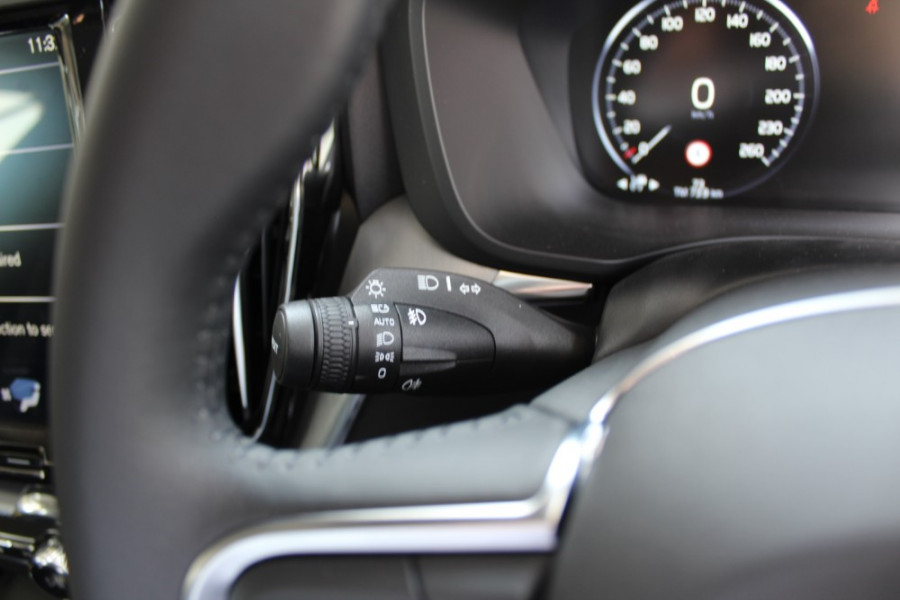 2019 MY20 Volvo XC60 UZ T5 Momentum Suv Mobile Image 8