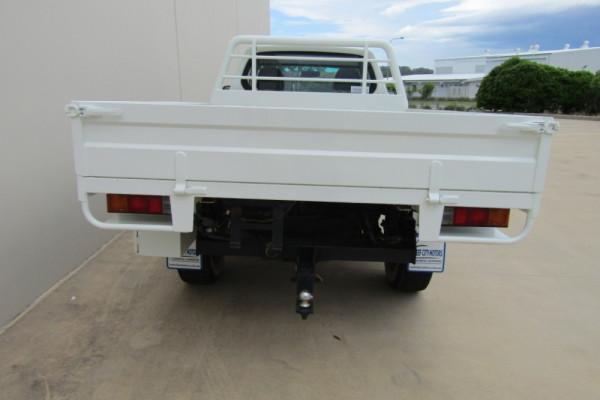 2014 MY15 Mitsubishi Triton MN MY15 GLX Cab chassis Image 4