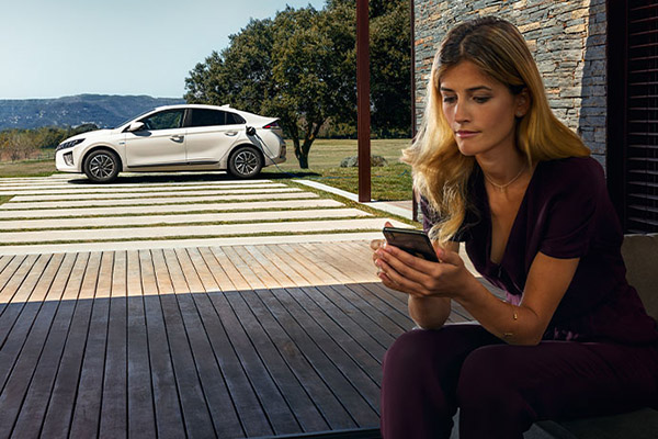 IONIQ Plug-In Hybrid The best of both worlds. EV (Electric) Mode.
