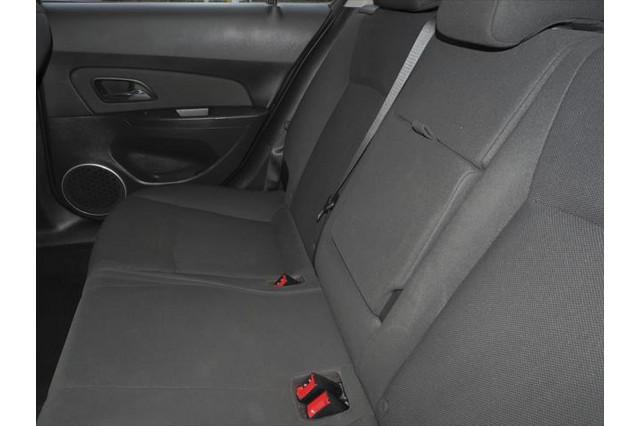 2014 Holden Cruze JH Series II MY14 Equipe Hatchback Image 5