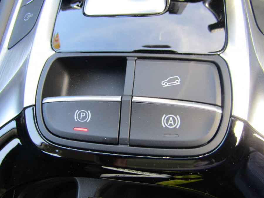 2021 MG Hs Phev Essence Sports utility vehicle