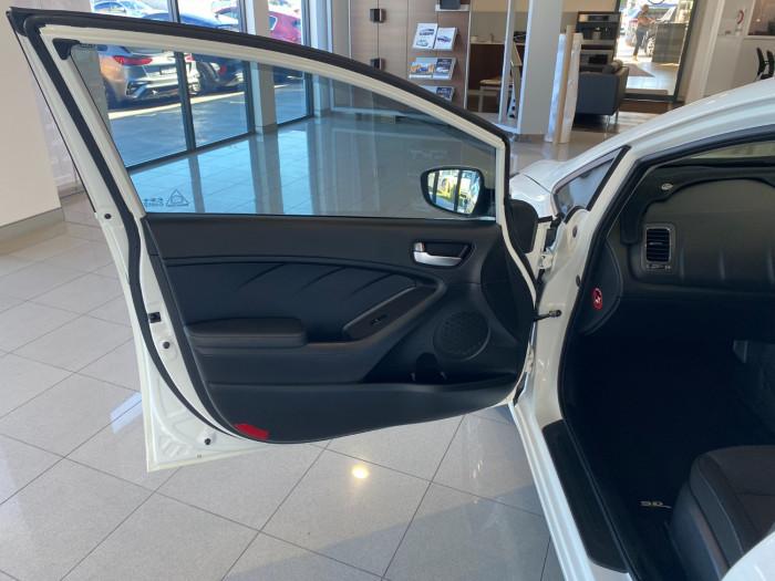 2016 MY17 Kia Cerato YD MY17 S Sedan Image 14