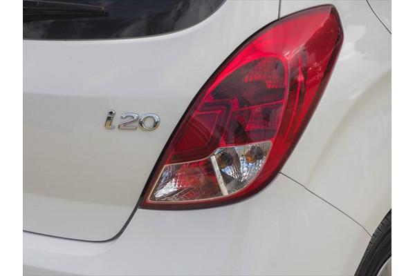 2012 Hyundai I20 PB MY13 Active Hatchback Image 3