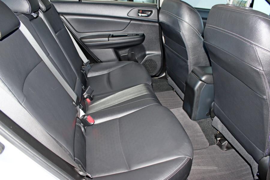 2014 Subaru Impreza G4  2.0i Sedan Image 9