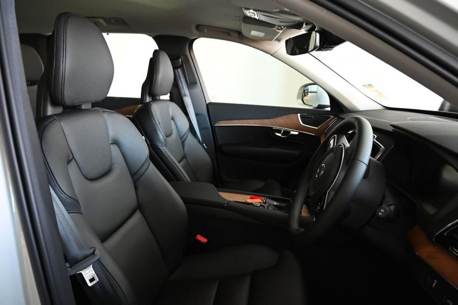 2020 MYon Volvo XC90 L Series D5 Momentum Suv Image 10