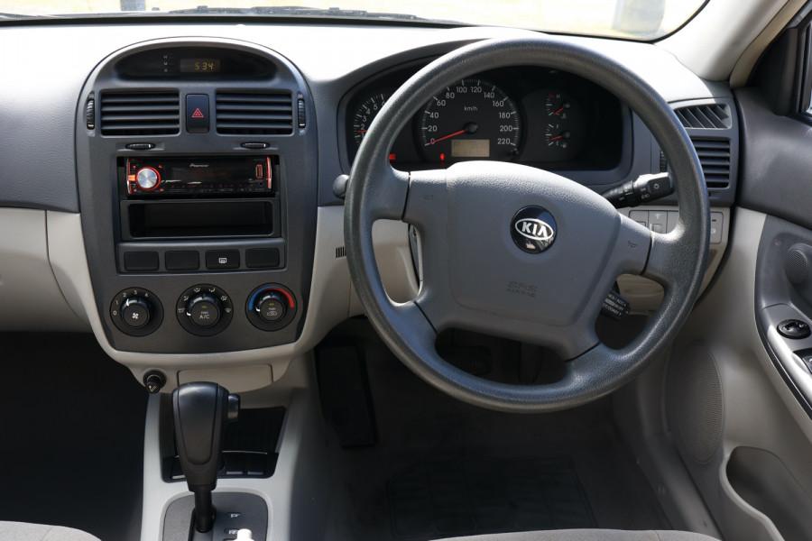 2005 MY04 Kia Cerato LD MY04 Sedan Image 8